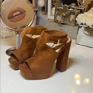 Liliana Brown suede chunky heel/booties